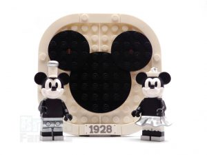 LEGO Ideas 21317 Steamboat Willie 37 300x225