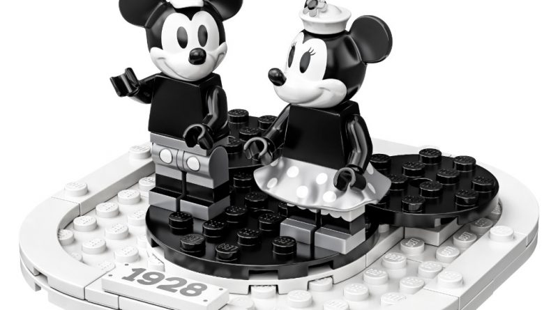 LEGO Ideas 21317 Steamboat Willie Official 5 800x445