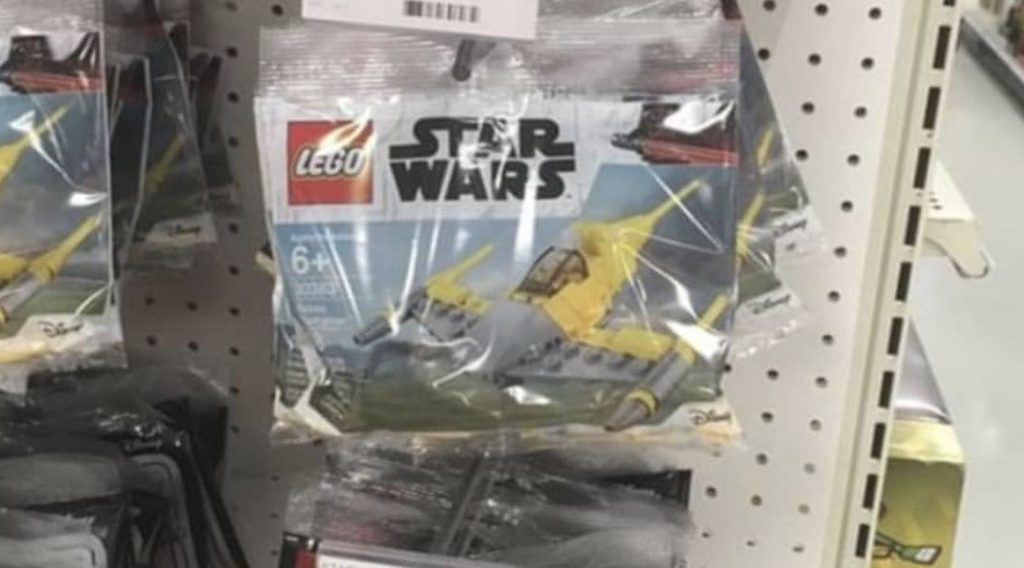 LEGO Star Wars Naboo Starfighter Featured 800 445