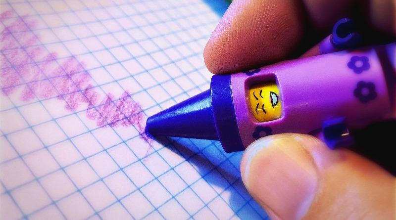 Brick Pic Crayon