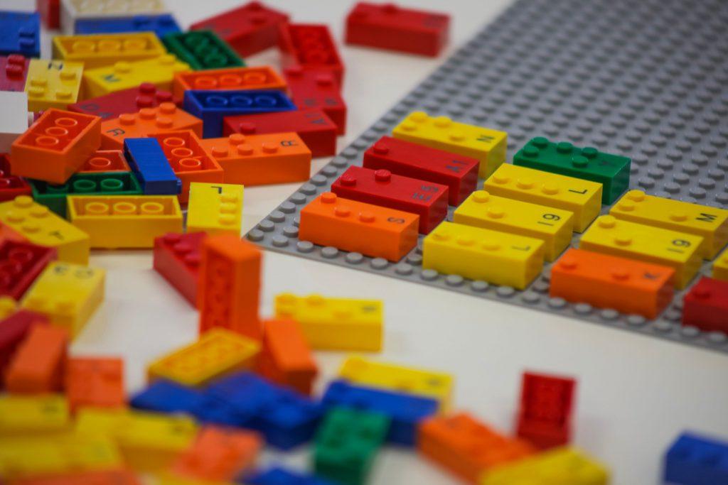HighRes Braille Bricks Close Up 2 1024x683
