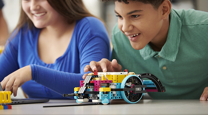 LEGO Spike Prime featured 8445