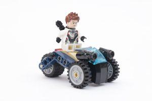 LEGO Marvel 76126 Avengers Ultimate Quinjet review 32