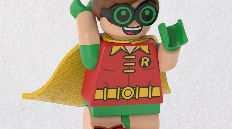 The LEGO Batman Movie LEGO Robin Ornament 1 800x445