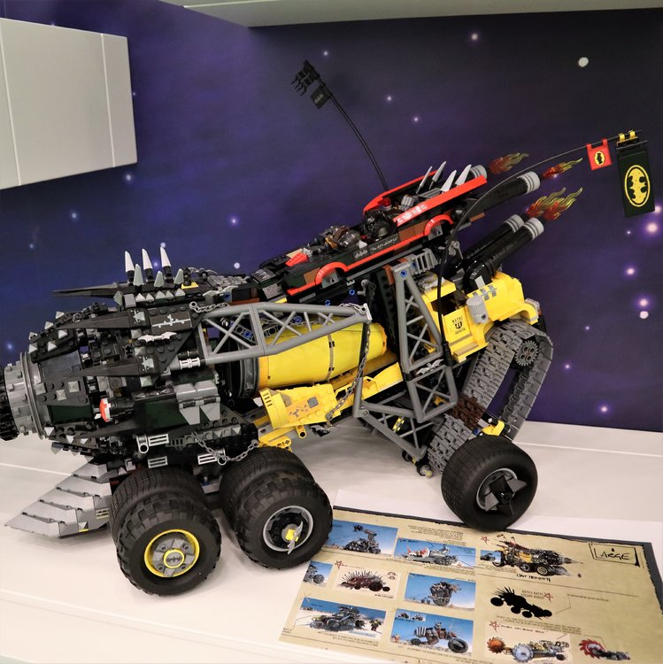 The LEGO Movie 2 Batmobile
