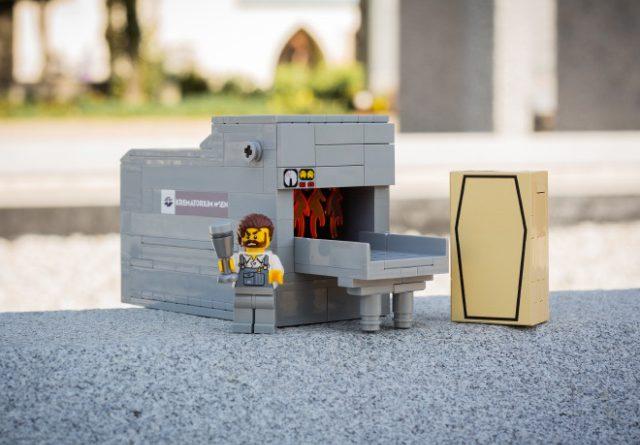 Vienna LEGO Funeral 3 640x445