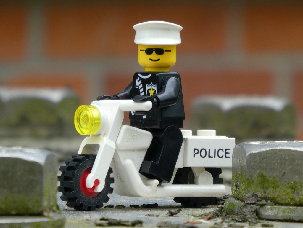 Brick Pic Classic Policeman 1024x769