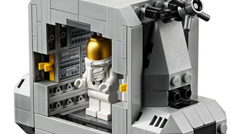 LEGO Creator Expert 10266 Lunar Lander 11 800x445
