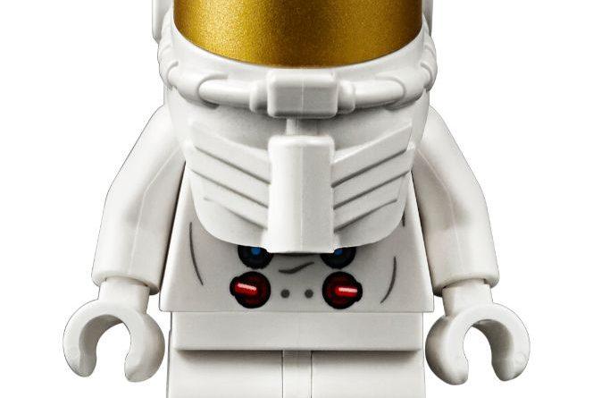 LEGO Creator Expert 10266 Lunar Lander 2 1 664x445
