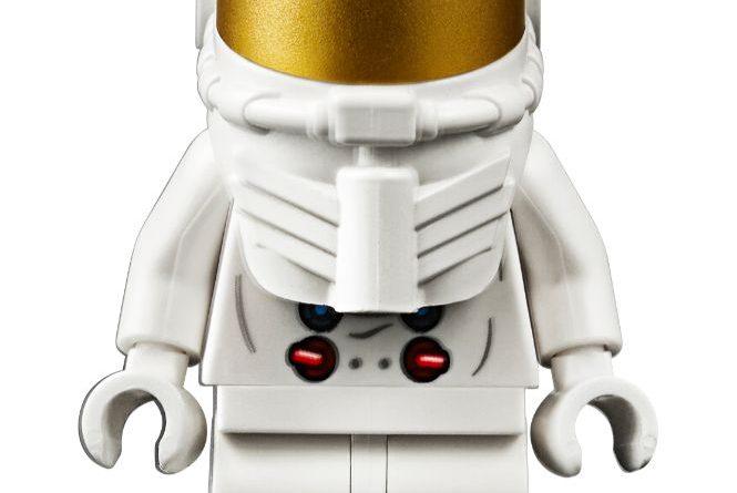 LEGO Creator Expert 10266 Lunar Lander 3 665x445