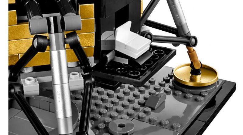 LEGO Creator Expert 10266 Lunar Lander 6 800x445