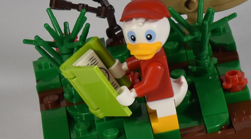 LEGO Disney Huey Vignette Featured 800 445