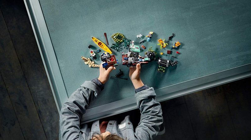 LEGO Hidden Side 70419 Boat 5