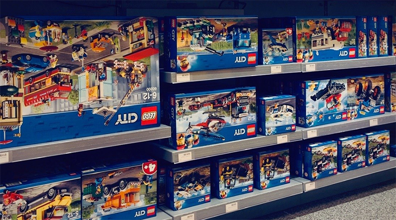 LEGO Stranger Things Upside Sets Featured 800 445