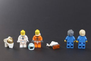 LEGO CITY Space 60227 Lunar Space Station Review 19 300x200