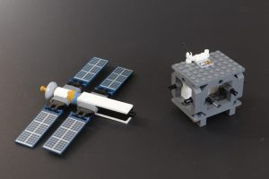 LEGO CITY Space 60227 Lunar Space Station Review 5 300x200
