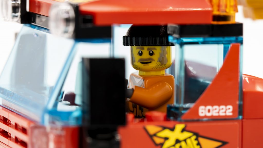 Close Up Driver 1024x576