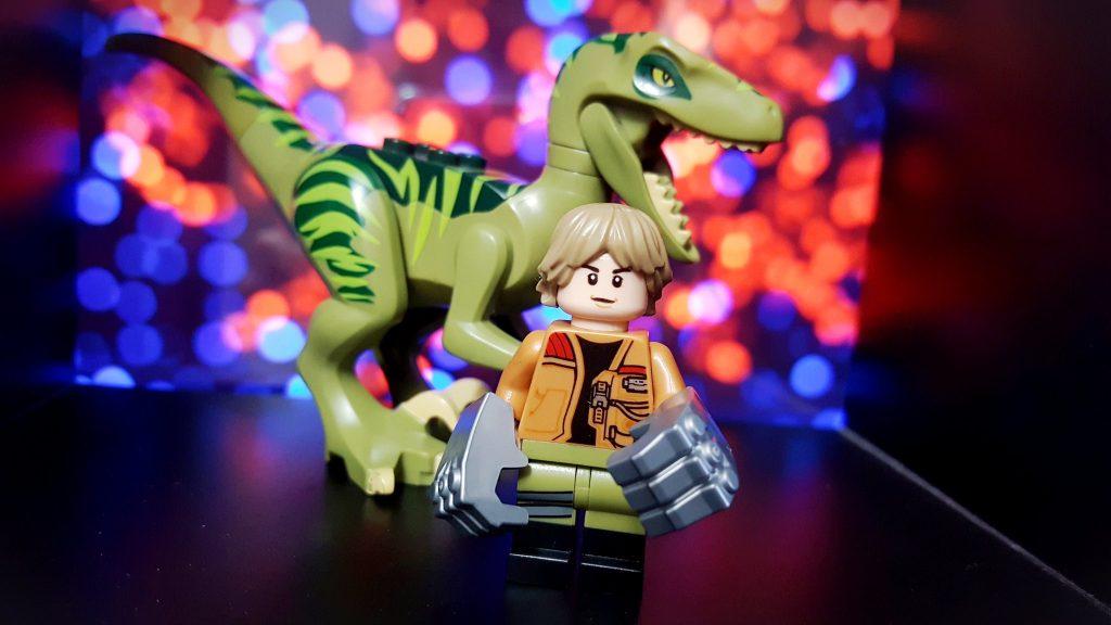 Brick Pic Raptor Luke 1024x576