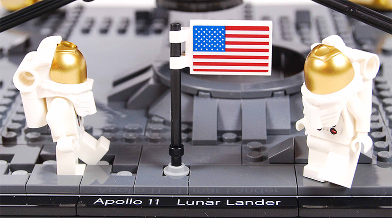 LEGO Creator Expert 10266 Apollo 11 Lunar Lander Review Featured 800 445