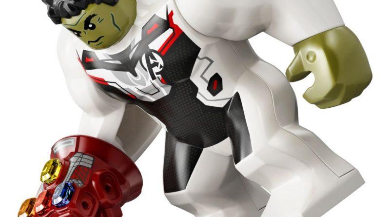 LEGO Marvel 76144 Avengers Hulk Helicopter 21