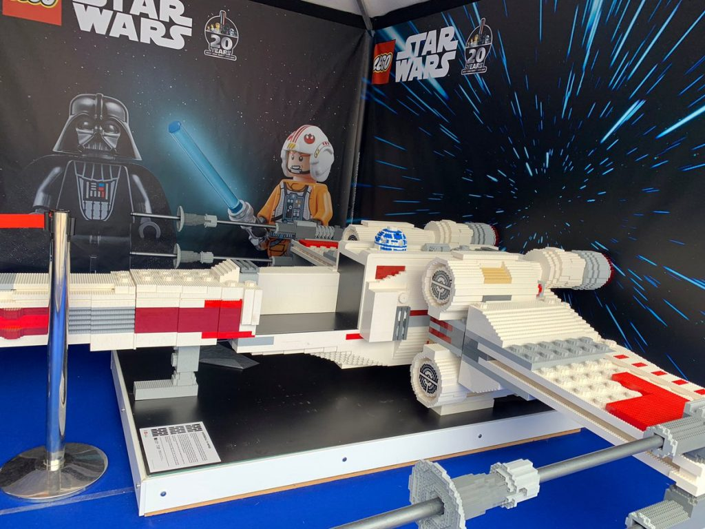 LEGO Paris Star Wars X Wing Small 1024x768