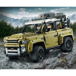 LEGO Technic 42110 Land Rover Defender 3 300x300