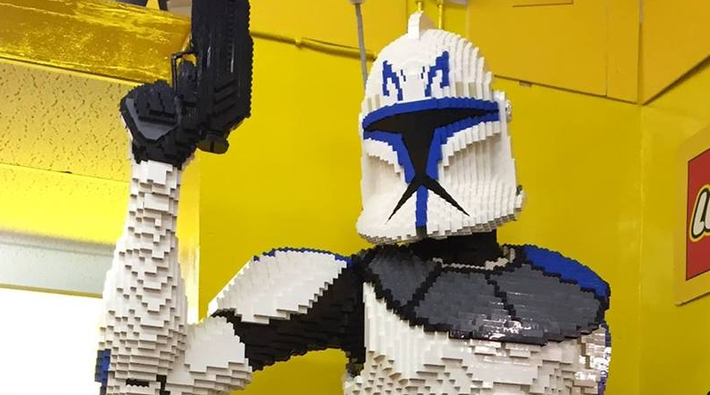 LEGO Toymaster Captain Rex Featured 800 445
