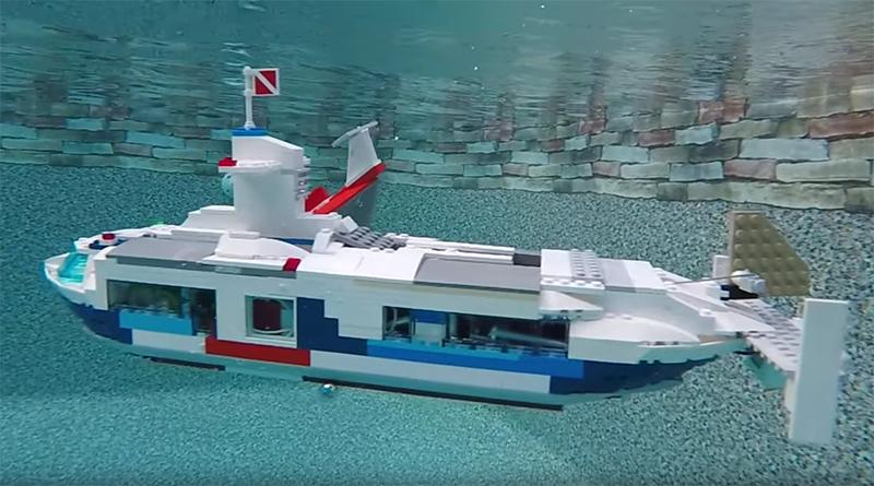 LEGO Submarine Featured 800 445