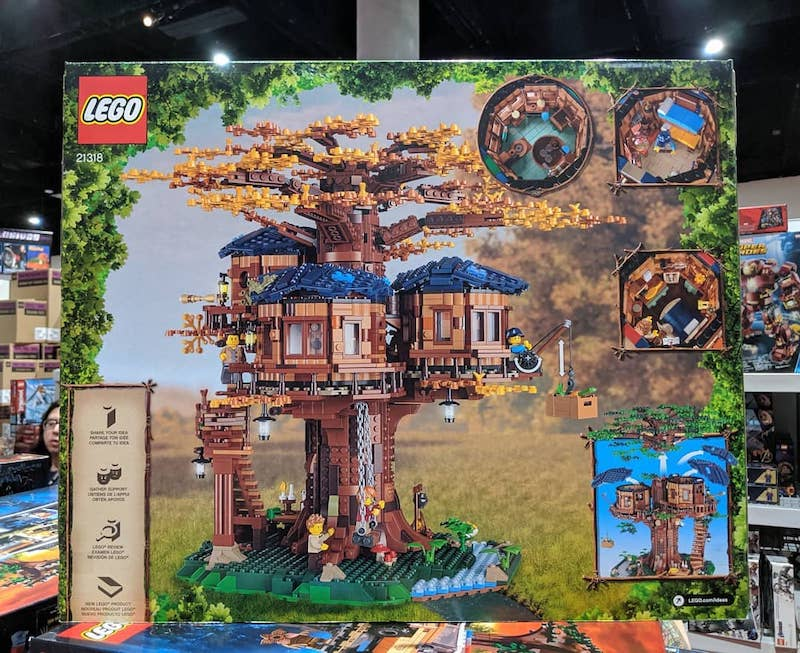 LEGO Ideas 21318 Treehouse, Hidden Side at SDCC