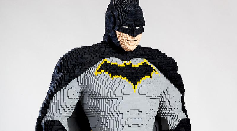 LEGO Batman San Diego Comic Con Statue Featured 800 445