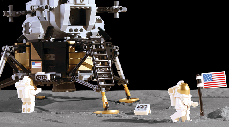 LEGO Creator Expert 10266 Apollo 11 Lunar Lander Brick Fanatics Mag Featured 800 445
