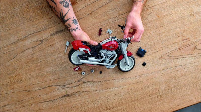 LEGO Creator Expert 10269 Harley Davidson Fat Boy 15 800x445