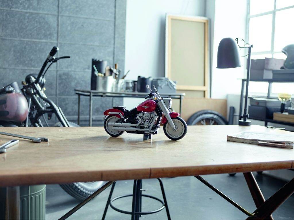 LEGO Creator Expert 10269 Harley Davidson Fat Boy 17