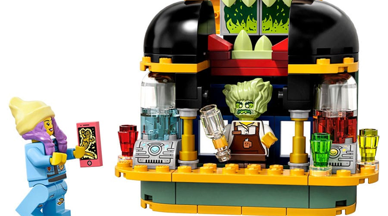 LEGO Hidden Side 40336 Newbury Juice Bar Featured 800 443