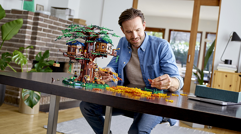 LEGO Ideas 21318 Treehouse Featured 800 445 1