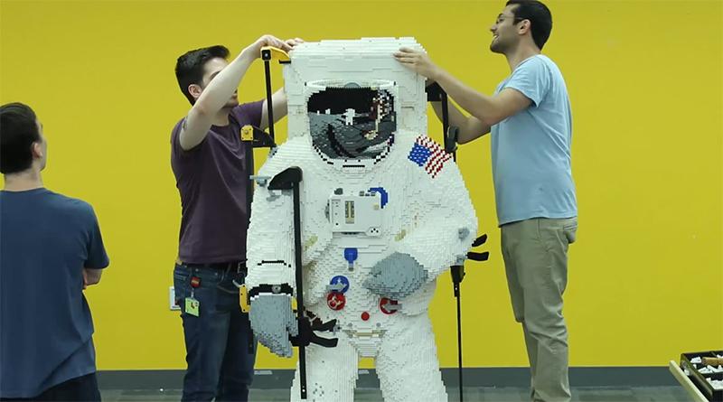 LEGO NASA astronaut statue featured 800 445