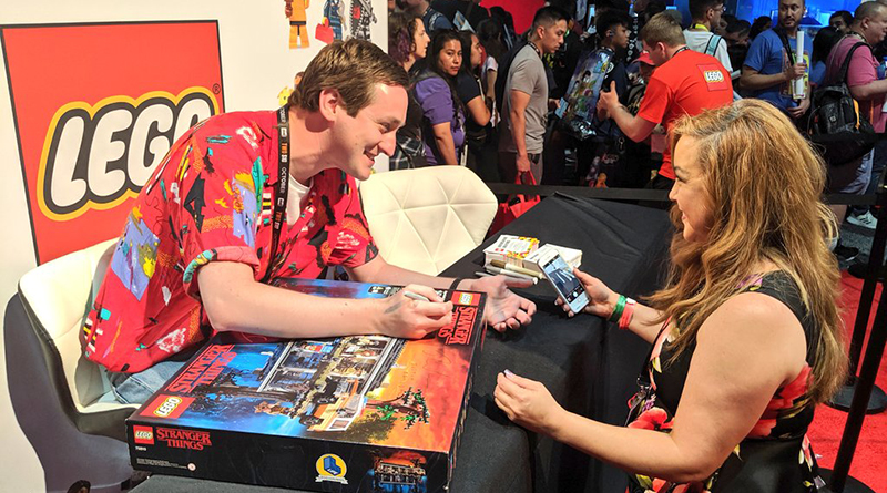 LEGO SDCC Stranger Things Signing Featured 800 445