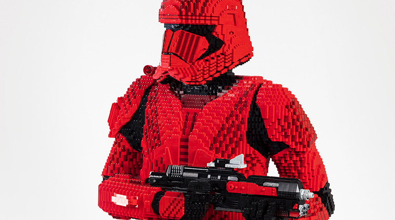 LEGO Star Wars Sith Trooper Statue Featured 800 445