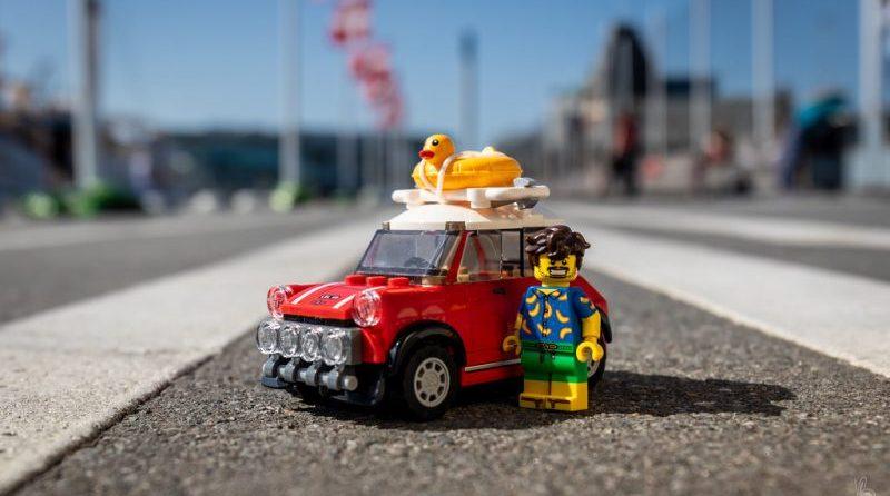 LEGO Summer Hols E1564437486737