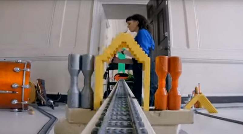 Paramour LEGO Music Video Featured 800 445