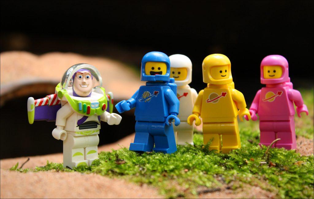 Brick Pic Buzz Spacemen 1024x649
