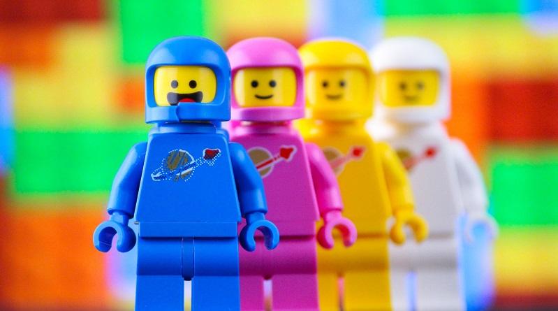 Brick Pic Space Squad Featured 800 445