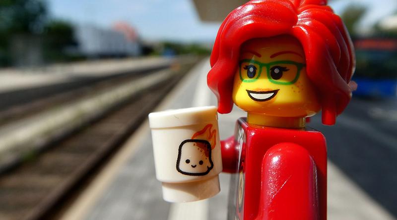 Brick Pic Minifigure Train Featured 800 445