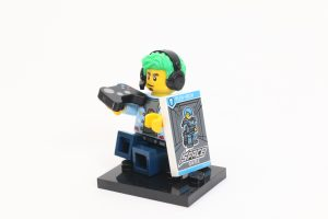 LEGO Collectible Minifigures Series 19 Review 11iii 300x200