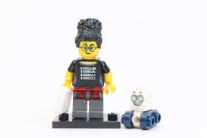 LEGO Collectible Minifigures Series 19 Review 8i 300x200