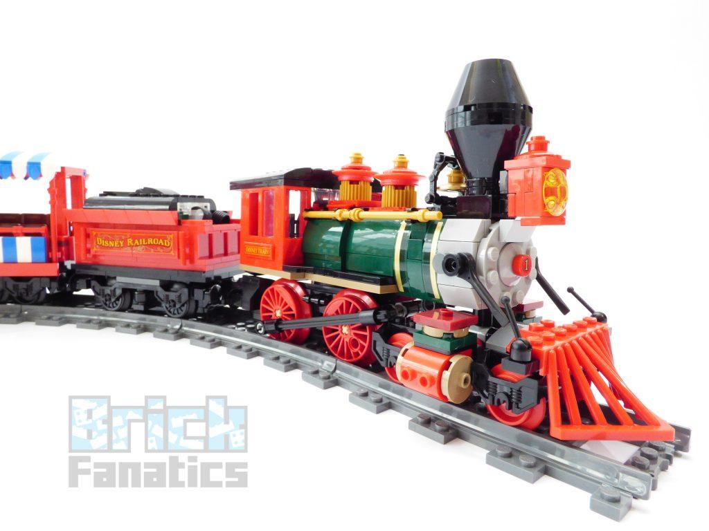 LEGO Disney 71044 Disney Train 59 1024x768