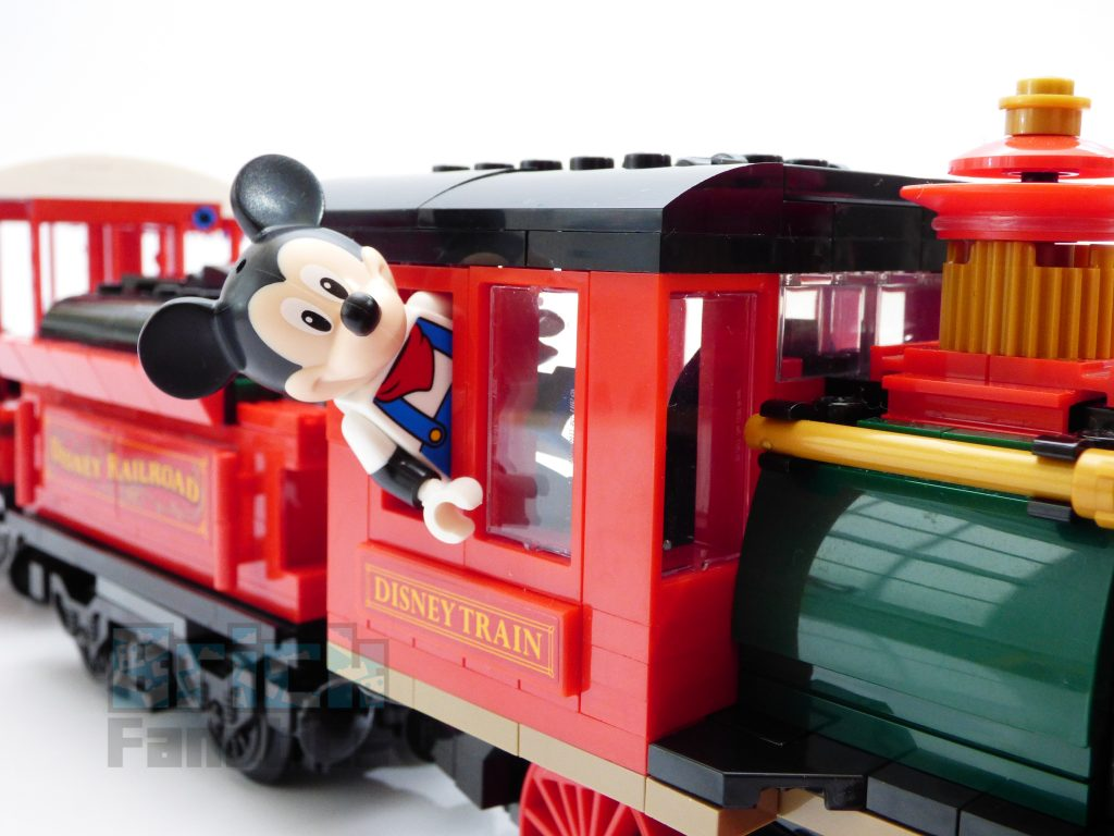 71044 Disney Train and Station Mickey Mouse