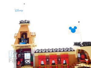LEGO Disney 71044 Disney Train 92 300x225