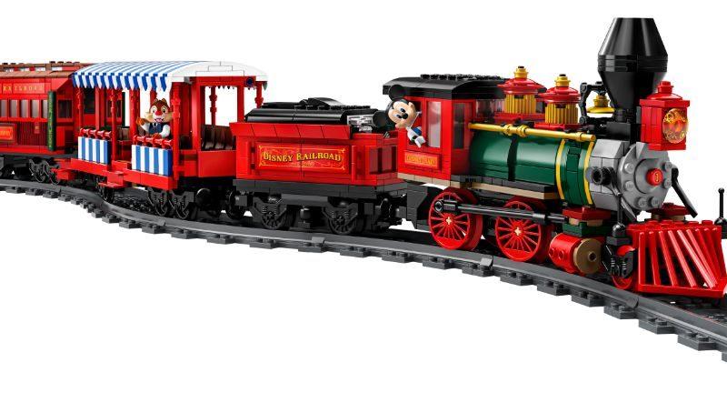 LEGO Disney 71044 Disney Train And Station 22 800x443