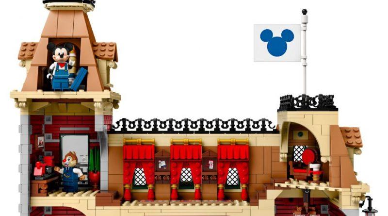LEGO Disney 71044 Disney Train And Station 3 800x445